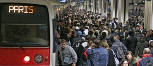 Paris transport en commun rempli
